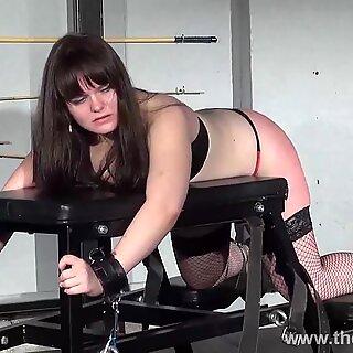 Lisas amatør spanking og rigid spanskrør of lubben