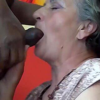 Minhas gorduchas peludas mato avó aprecia sua primeira aula de pornografia interracial big negras caralhos