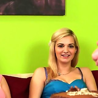 Lesbian amateurs love pussy eating like fat dude loves cake