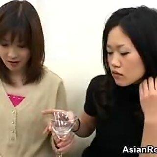 Cuspindo amador japonesas gajas