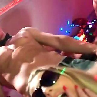 Drunk crazy women sucking big cock part3
