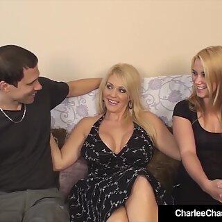 Puma quente Charlee Correr atrás assiste o marido gozar dentro namorada ?!