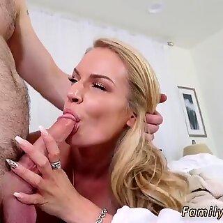 Fuck a păroasă adolescent tanar pasarica and short blonde anal xxx dont sleep on stepmom
