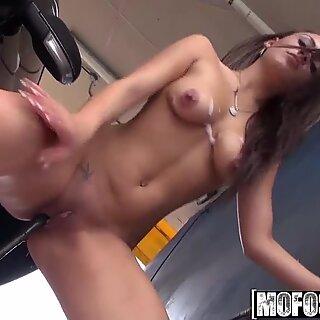 Mofos - shes a freak - (Nova Brooks) - climax in the machine machine wash