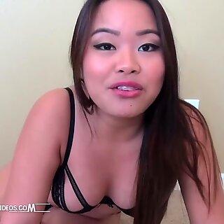 Contorcionista asiático cei