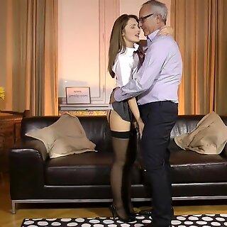 Inggris abg wahana lelaki tua sebelum titit