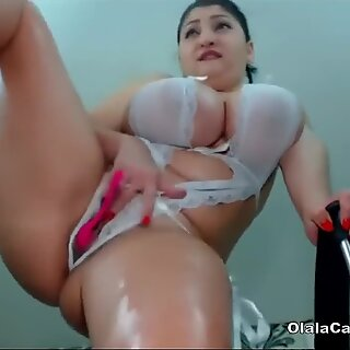 Huge boobs sexy latina shows her thick body on OlalaCam