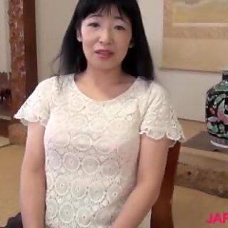 Japonesas abuelitas yuki yyoneyama montando verga enorme