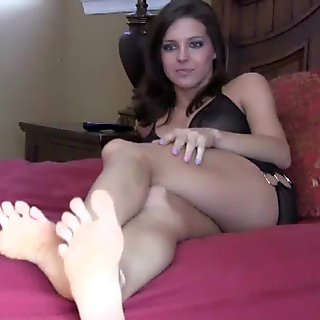Suck on my toes and pamper my feet