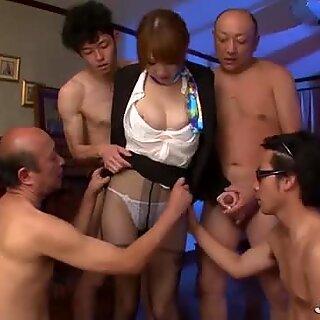 Hikaru Shiina kan sikkert snakke med flere kuker