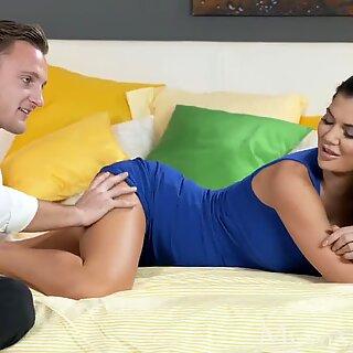 MOM British stunner gets internal ejaculation as she orgasms railing her man