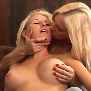 Girls who eat pussy 0260
