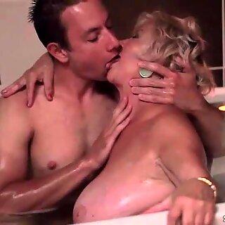 デブおばあちゃんと若い男メイキングホット恋愛