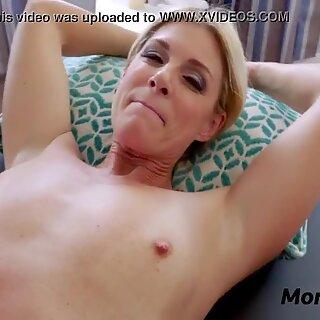 Filho Massagens Mãe & Amp_ Ela Massagens Suas Bolas