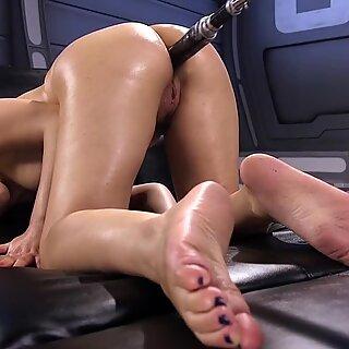Mamalhuda peludas anal vagabunda fode máquina