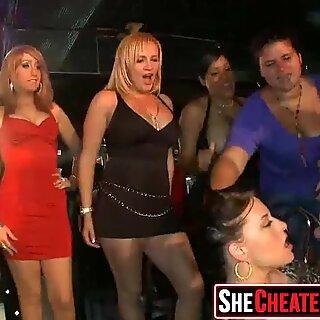 37 hot sluts bắt gặp làm tình tại hộp đêm 152