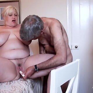 Maturelove olgun kadın parmaklanma ve becerdin sert seks