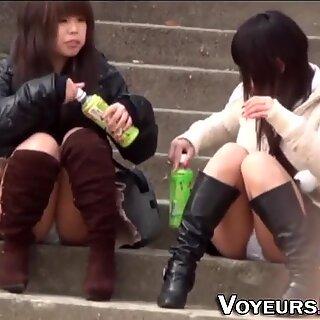 亚洲人未成年闪光女式短裤