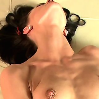 Glamcore lesbo licking asian pussy