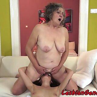 祖母pussyeaten热情地女同性恋