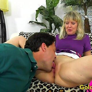 Grandma Jamie Foster Mounts a Long Dick