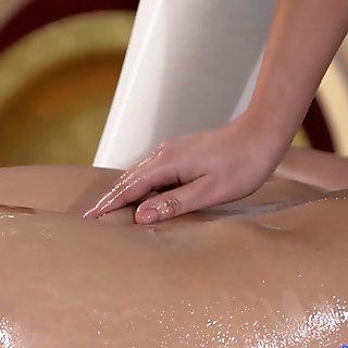 Anna Rose & Valerie Fox in Anna On Valerie - MassageRooms