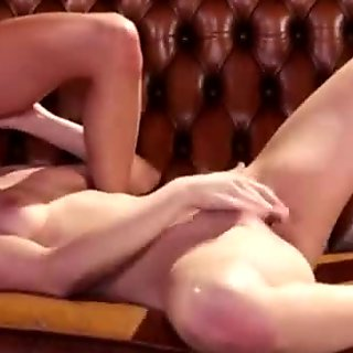 Hot lesbian Veronica Rodriguez gives Jenna Sativa lap dance and she loves it