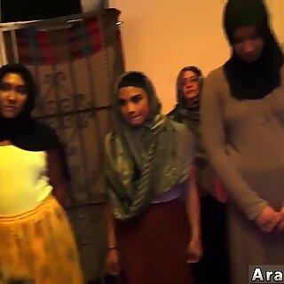 Jovens Love Step anal e Peludas Cona Gozar Dentro Afgan Whorehouses existem!