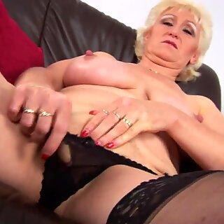 Primer video porno de tetona madre