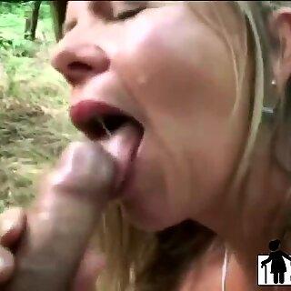 Sexy Maduras Slut se masturba, em seguida, suga e passeios Excitada Lvoer & # 039_s Stiff Pixa