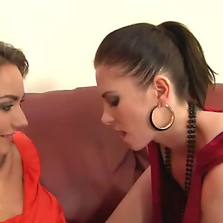 lesbians pissing on each other