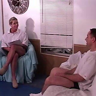 Quạt cơ nữ, bạn cũng cần liệu pháp này?